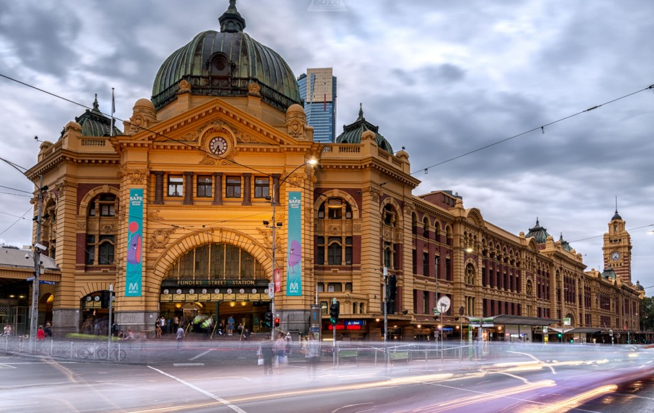 ©Iso100 Photography: Flinders Street Station, Melbourne