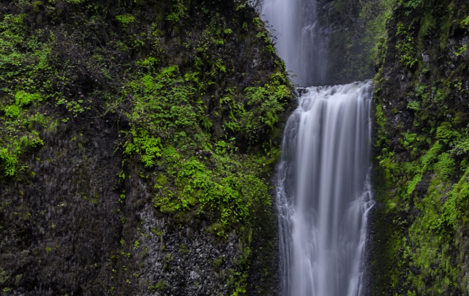 ©Iso100 Photography: Multnomah Falls, Oregon