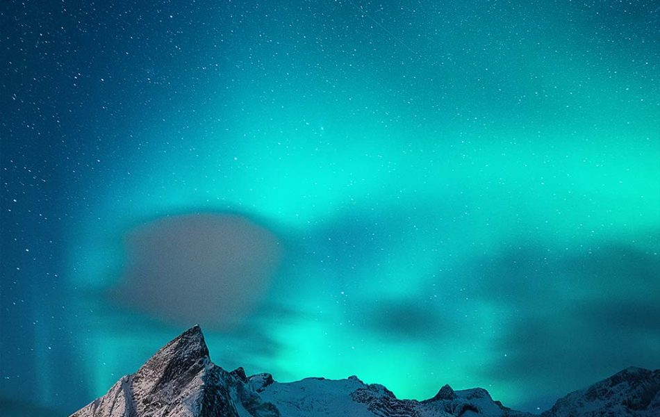 ©Iso100 Photography: Northern Lights over Hamnoy, Norway