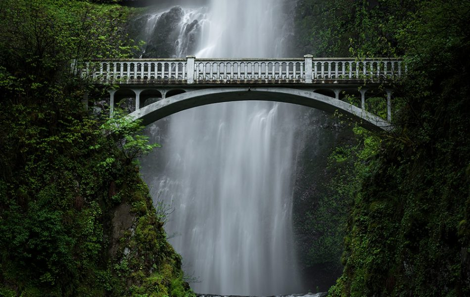 Iso100 Photography © Multnomah Falls, USA